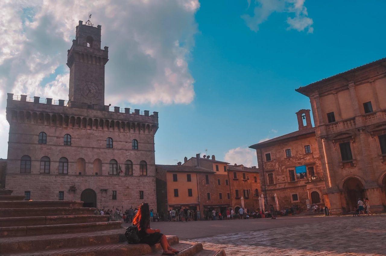 Guidare una 500 fiat vintage in Val d'Orcia, Toscana