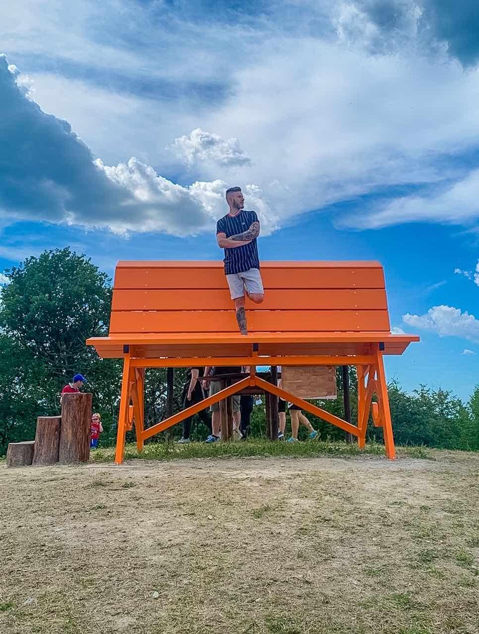 Panchine giganti a Reggio Emilia: dove si trovano e come raggiungerle