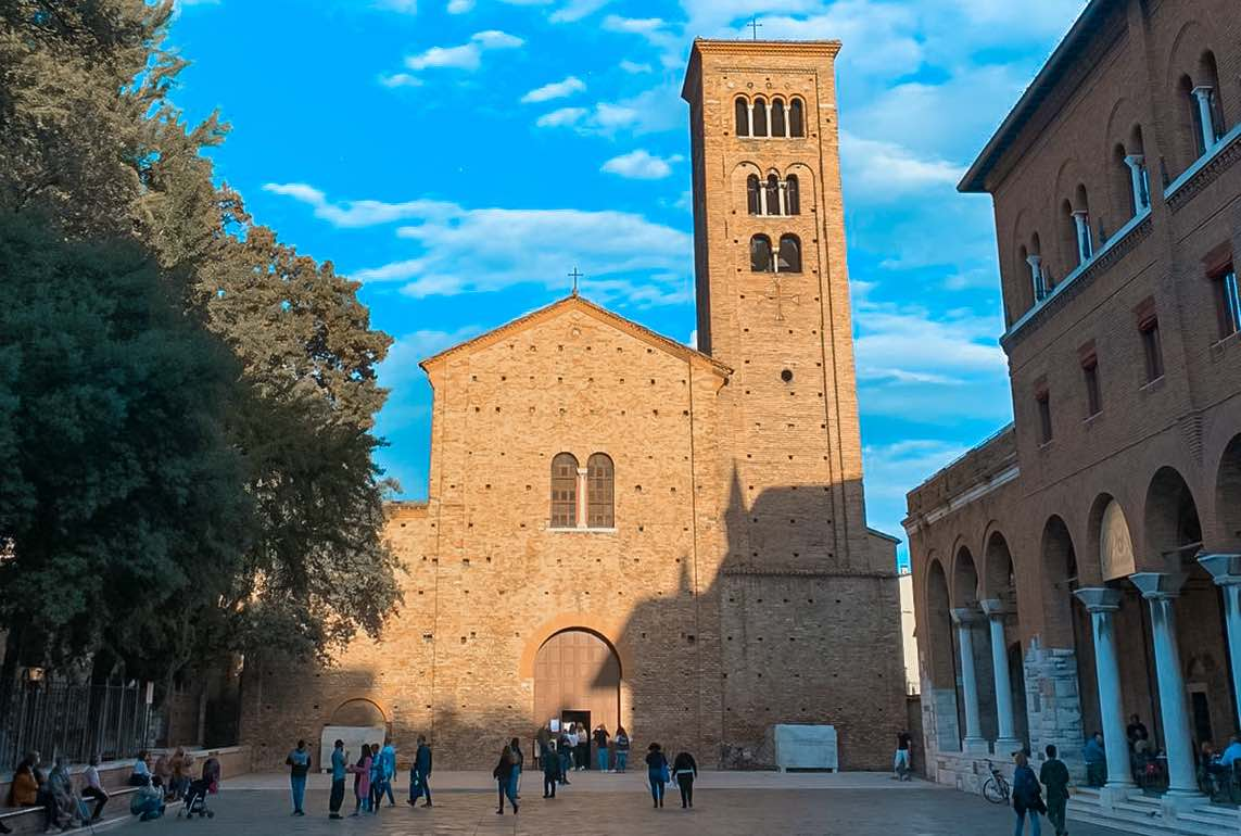 Chiesa di San Francesco dall'esterno da vedere in due giorni a Ravenna