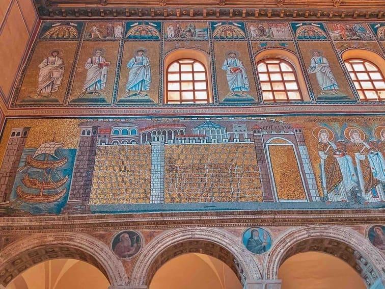 mosaici all'interno di Sant'Apollinare nuovo da vedere a Ravenna in due giorni