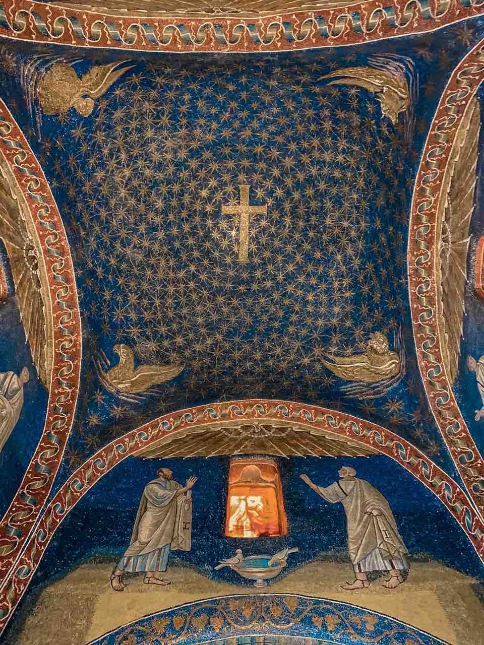 mosaico della cupola del Mausoleo di Galla Placidia da vedere a Ravenna in due giorni