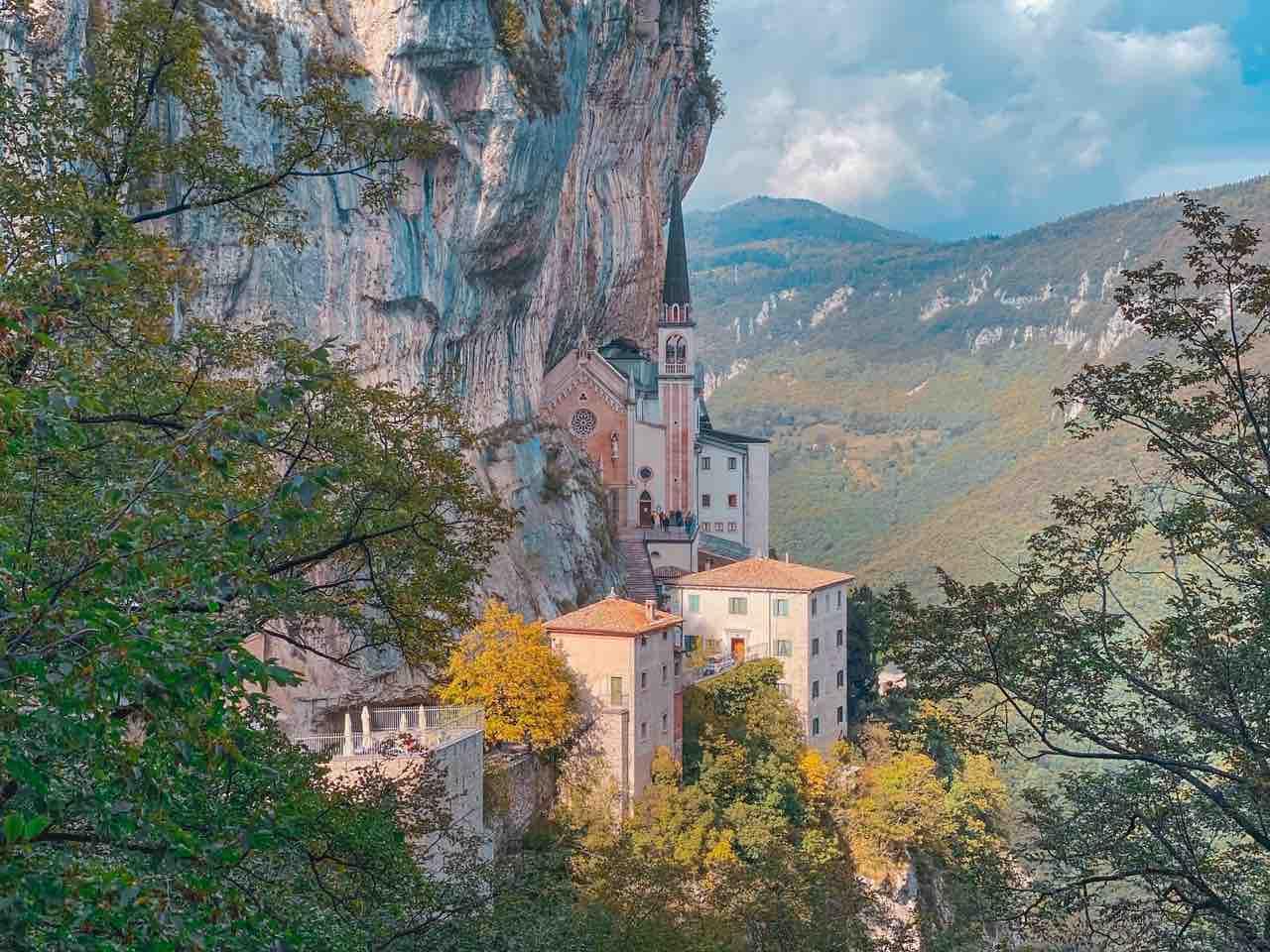 Santuario della Madonna della corona