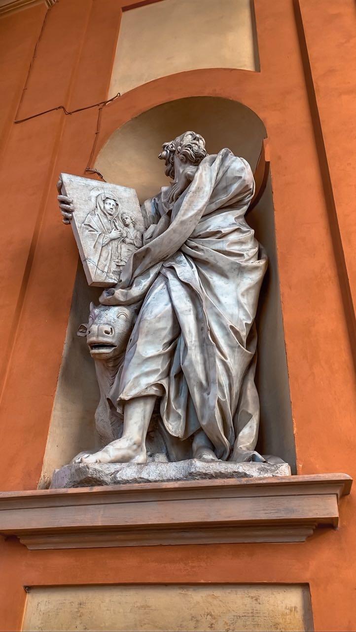 Santuario di San Luca statua