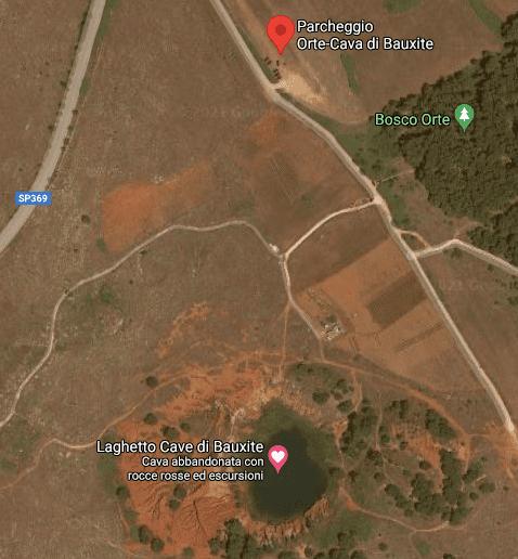 Mappa che segna la posizione e distanza tra parcheggio e la Cava di Bauxite