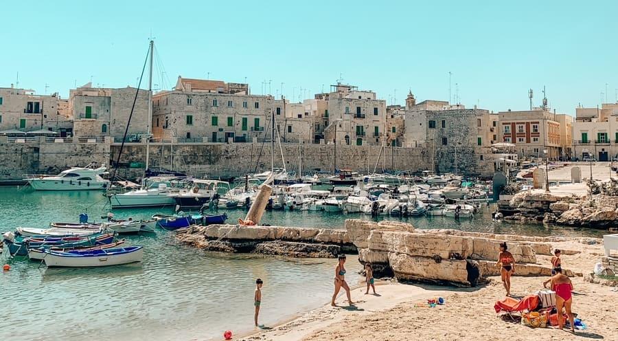 porto vecchio e spiaggia di Giovinazzo da vedere in un giorno