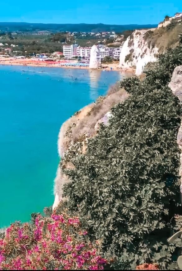 Miglior punto panoramico sulla spiaggia di Pizzomunno e sul mare di Vieste